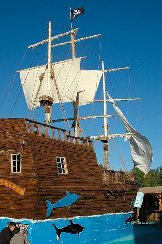 doc's creations: pirate ship doc's harley-davidson of shawano