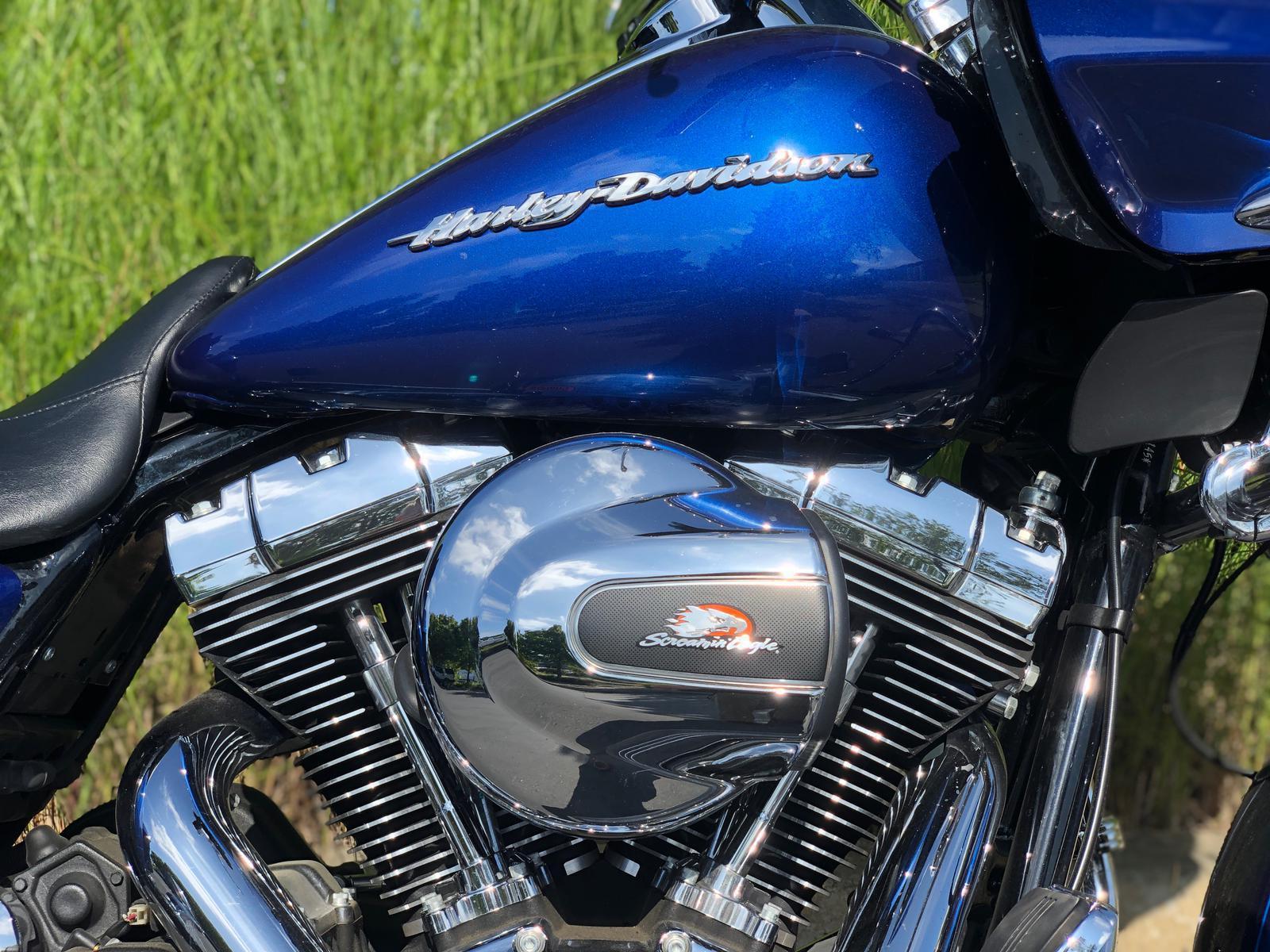 2015 Harley-Davidson® FLTRXS