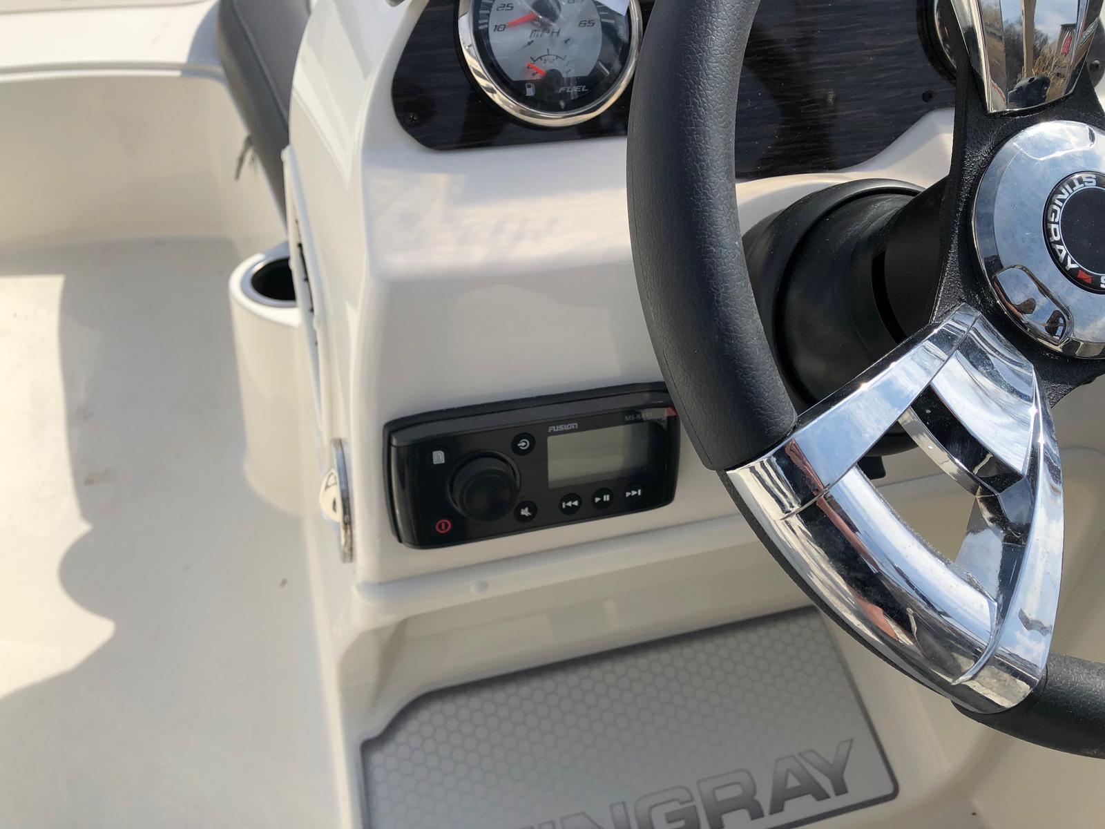 2019 Stingray Boats 182SC
