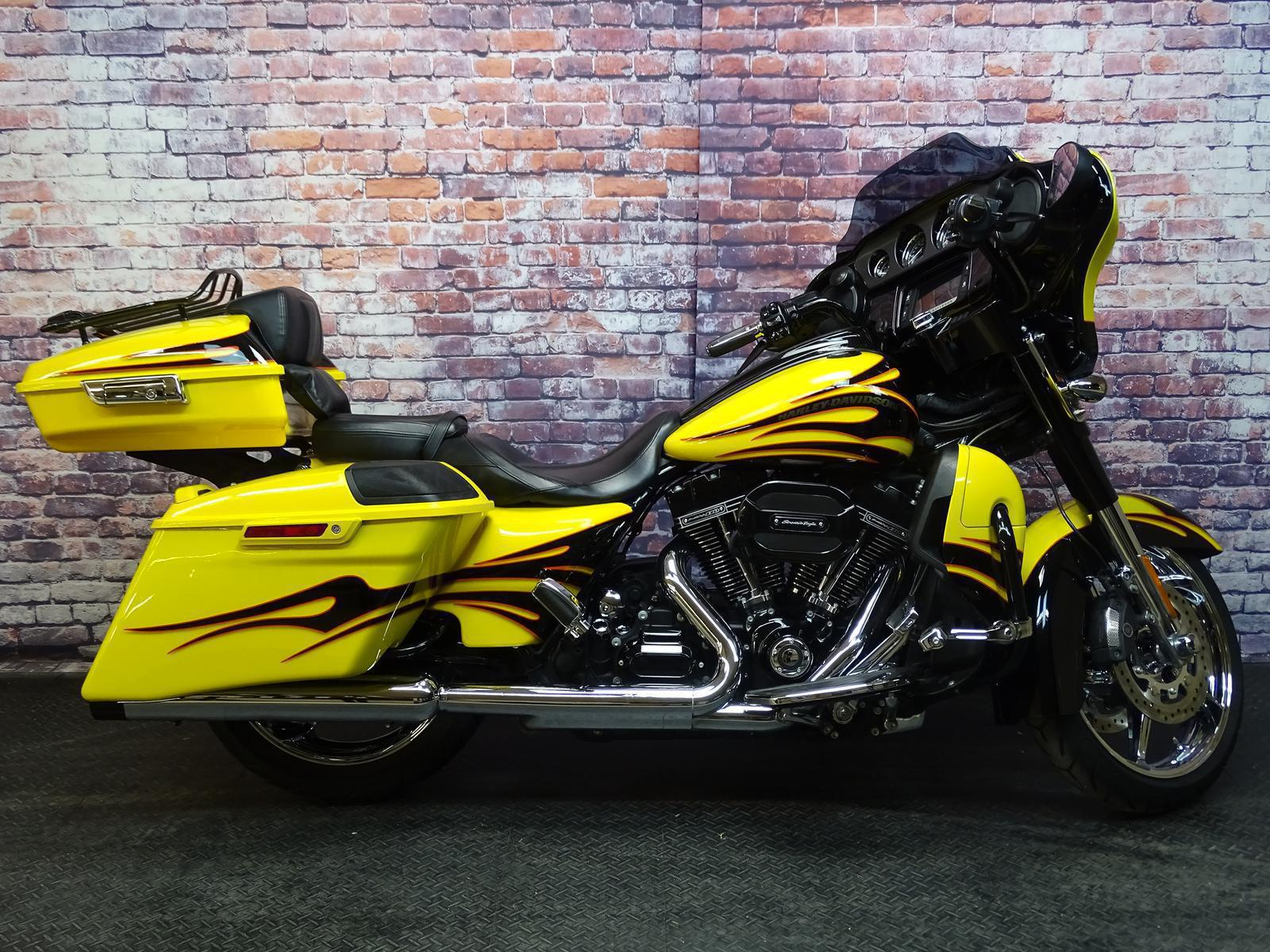 2015 Harley-Davidson® FLHXSE - CVO STREET GLIDE for sale in ...