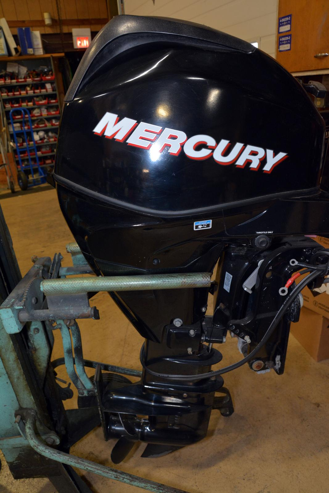 2012 Mercury FourStrokes 25 HP EFI - 20 in  Shaft