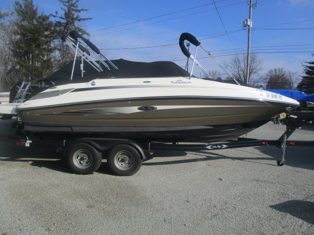 2012 SEA RAY 220 SUNDECK for sale