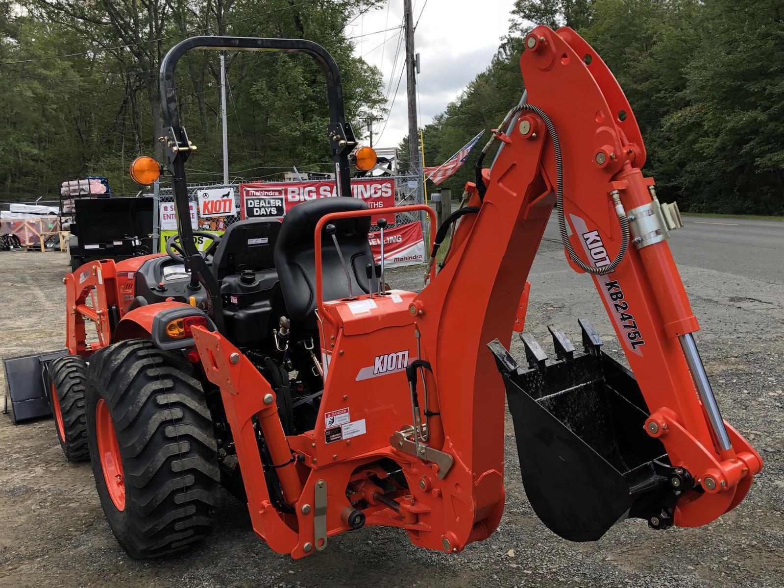 Kioti CK2610 Tractor w/ KL4030 Loader & KB2475L Backhoe for
