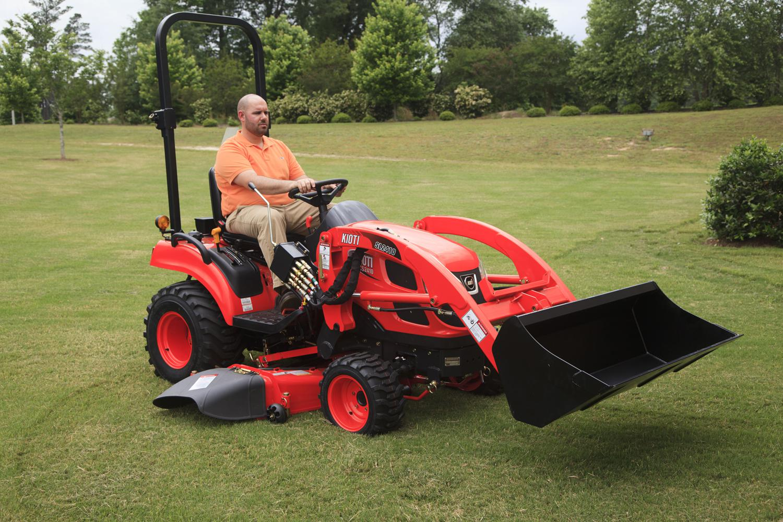 Kioti CS2210 HST Tractor Loader w/ Mid Mower