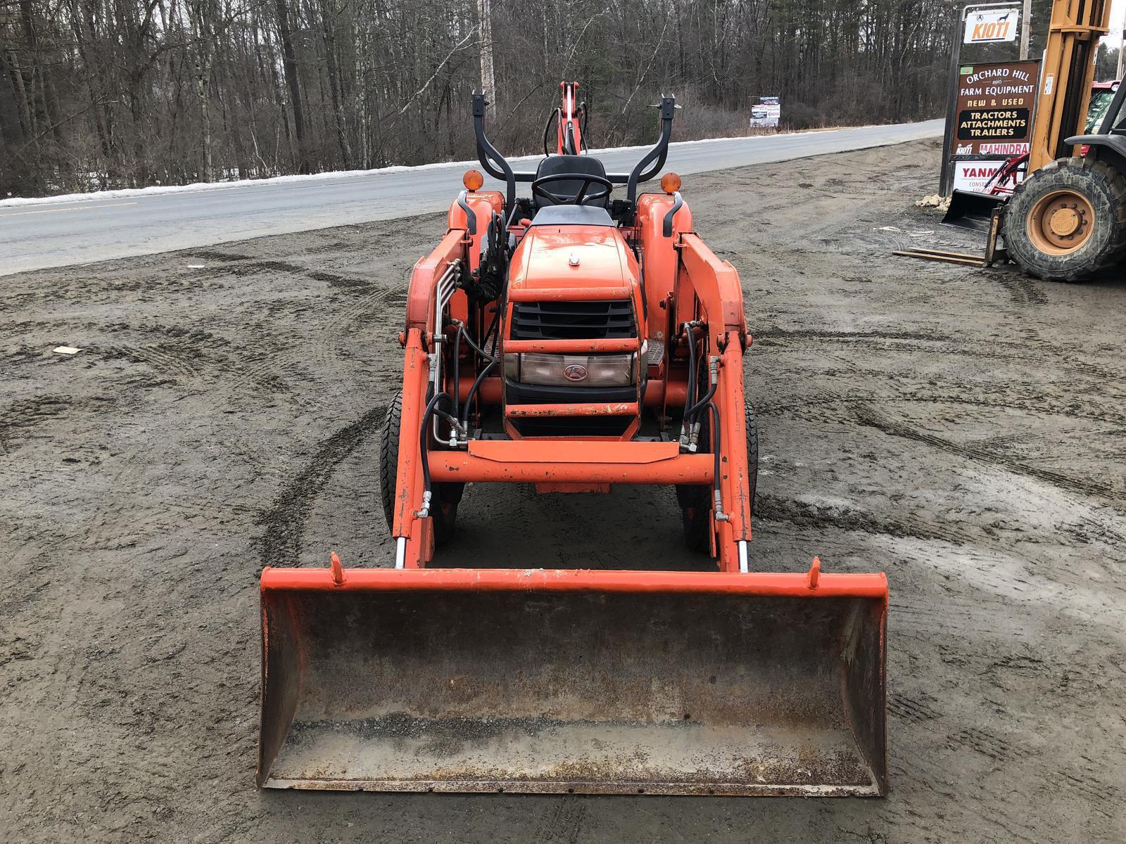 Kubota L3130 HST Tractor w/ Loader & Woods BH80X Backhoe