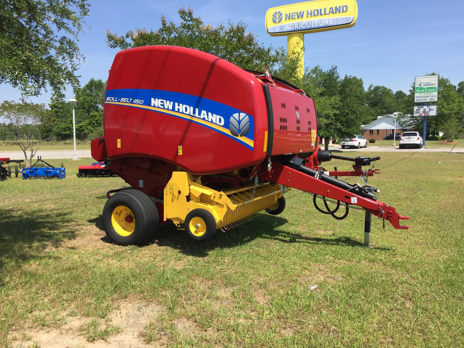 2018 New Holland Agriculture Roll-Belt™ Round Baler Roll-Belt™ 450