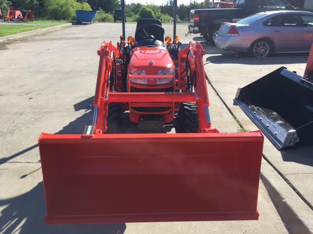 2019 Kubota B2320DT Tractor/Loader/box blade Package Deal
