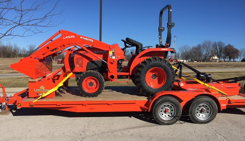 2019 Kubota L3901 (HST 4WD) Tractor Loader Mower & box blade PACKAGE