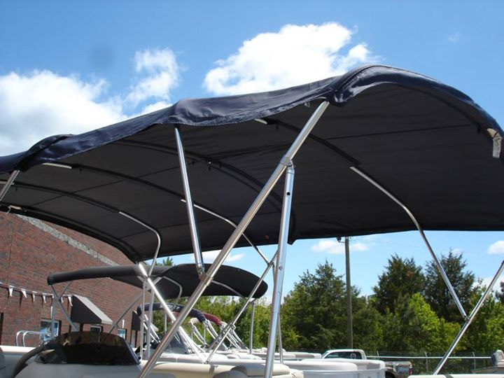 Luxurious Sun Chaser DS24 Pontoon with FULL Enclosure Muddy
