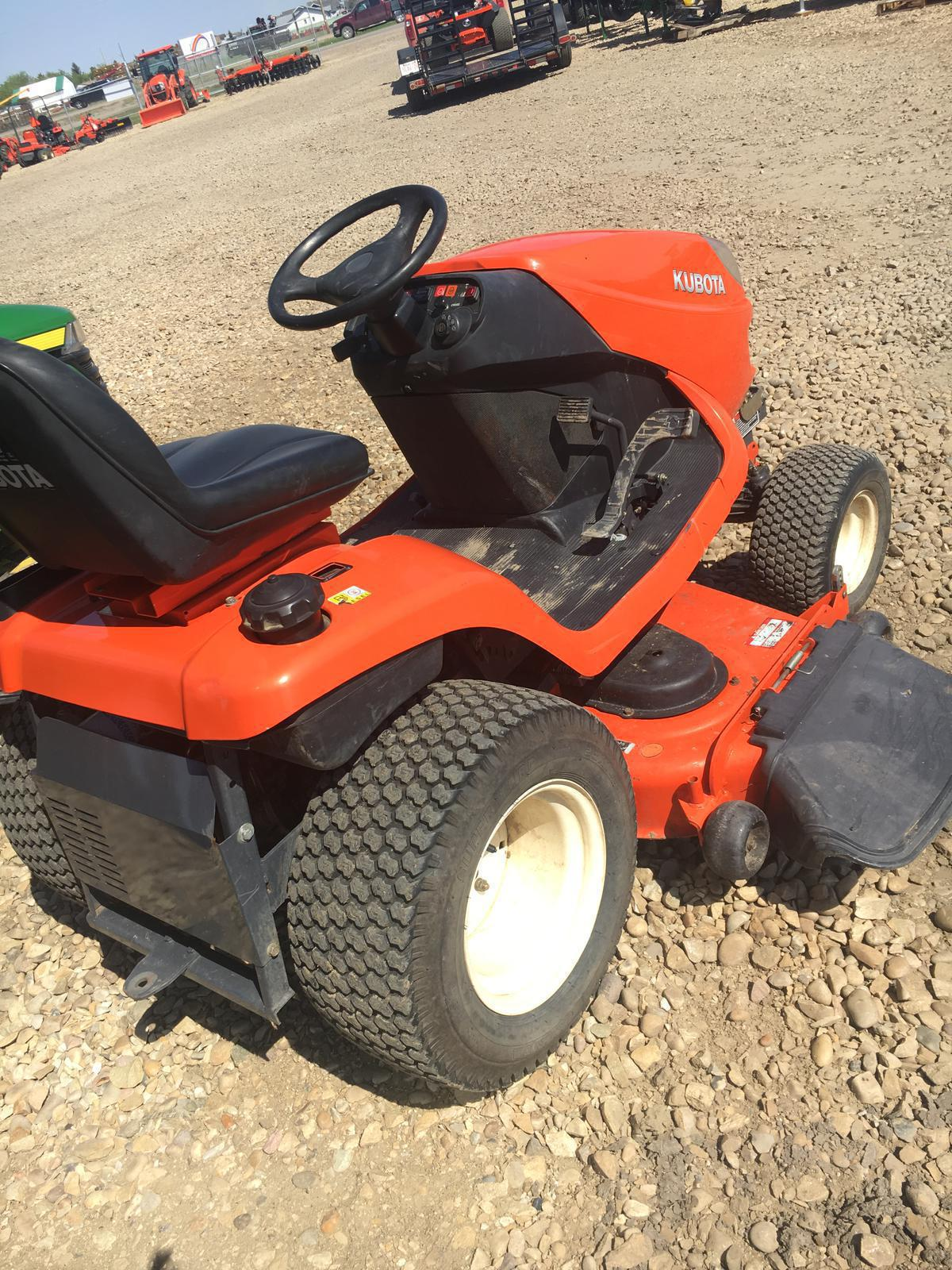 2007 Kubota GR2100 Garden Tractor