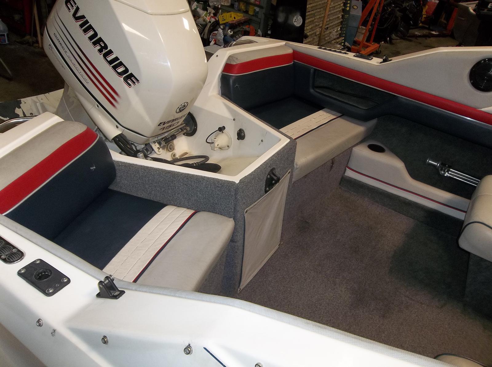 1990 Bayliner 20ft Capri W/2006 EV 150 -