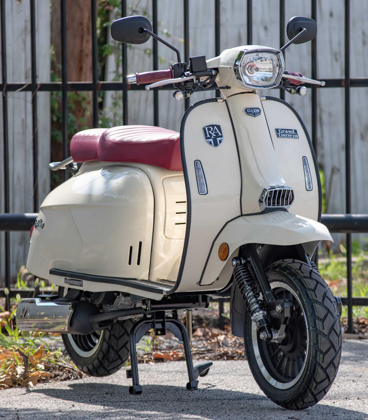 2019 Genuine Scooters Grand Tourer GT150 Ivory