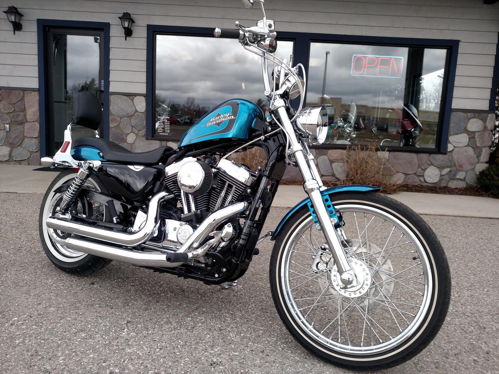 2015 Harley-Davidson® XL1200V Seventy-Two® - Hard Candy Color Option