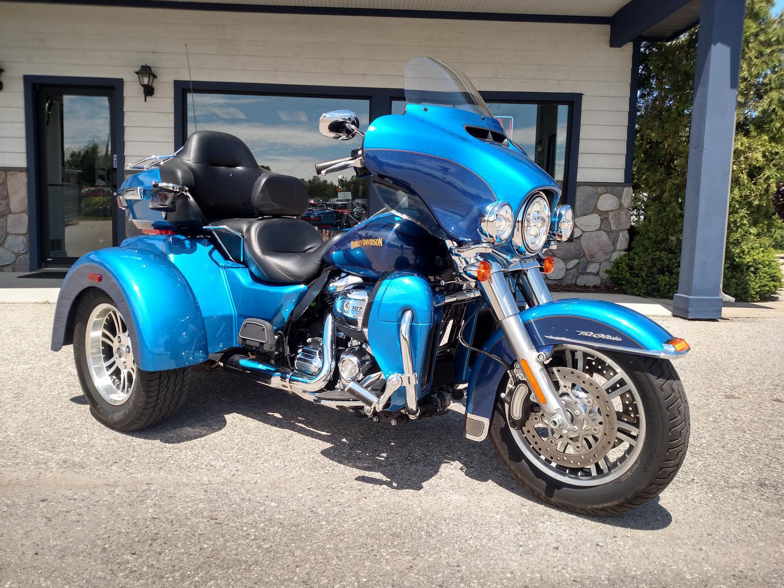 Harley Tri Glide >> 2017 Harley Davidson Flhtcutg Tri Glide Ultra Color Option