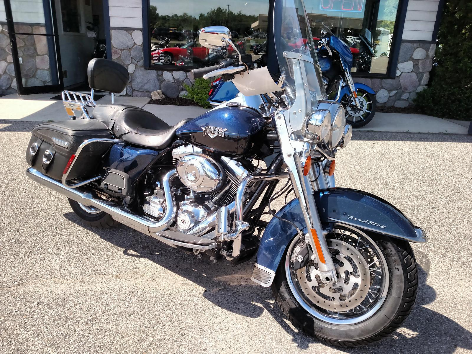 2012 Harley-Davidson® FLHRC Road King® Classic - Single Color