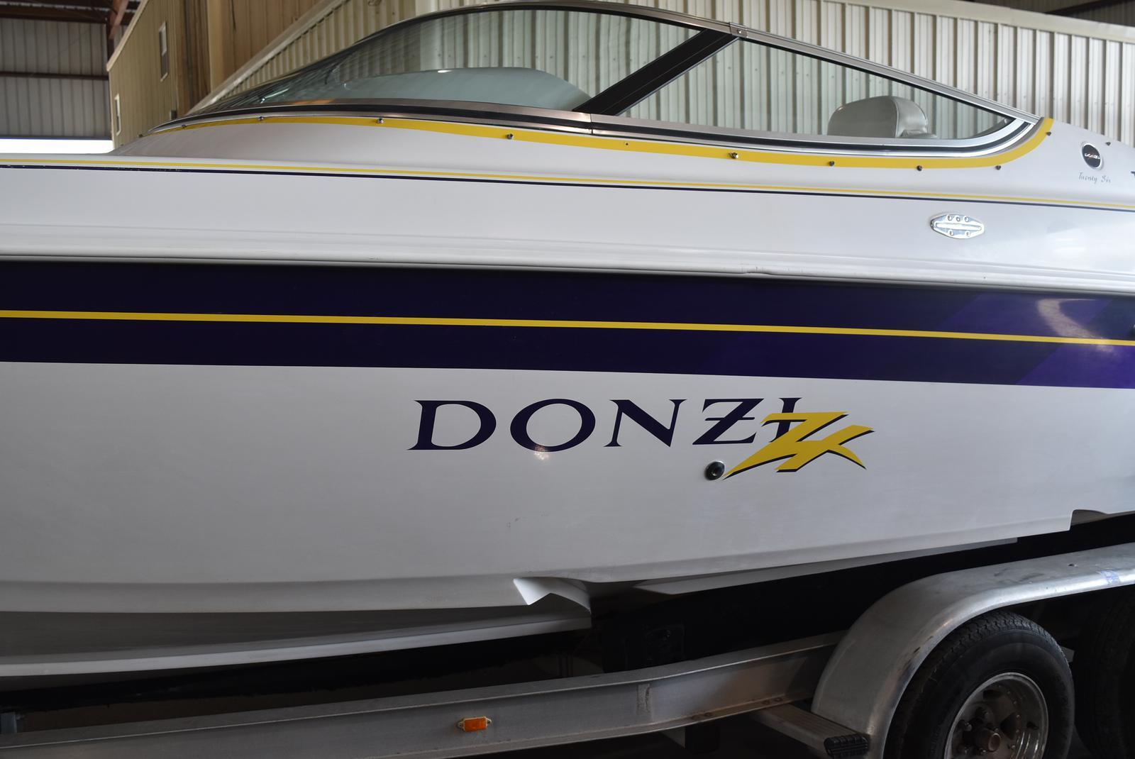 1999 Donzi 26 ZX
