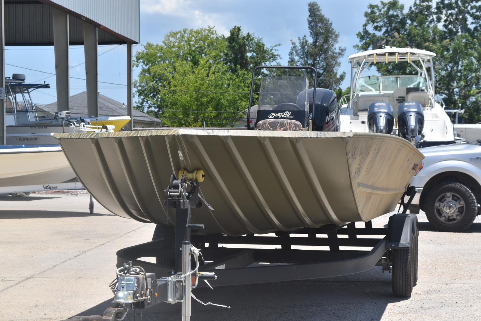 2019 Tracker GRIZZLY® 2072 CC