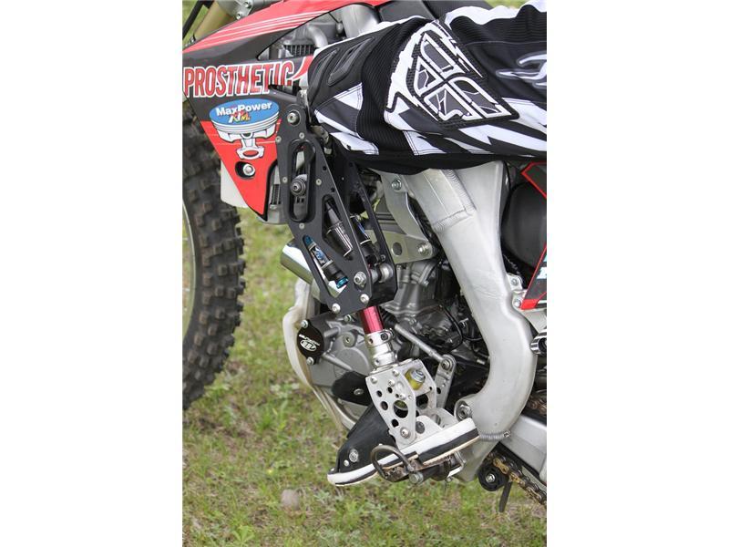 Moto knee biodapt inc. 17fee0bb-7d56-407e-9e40-ea3b9841f83d