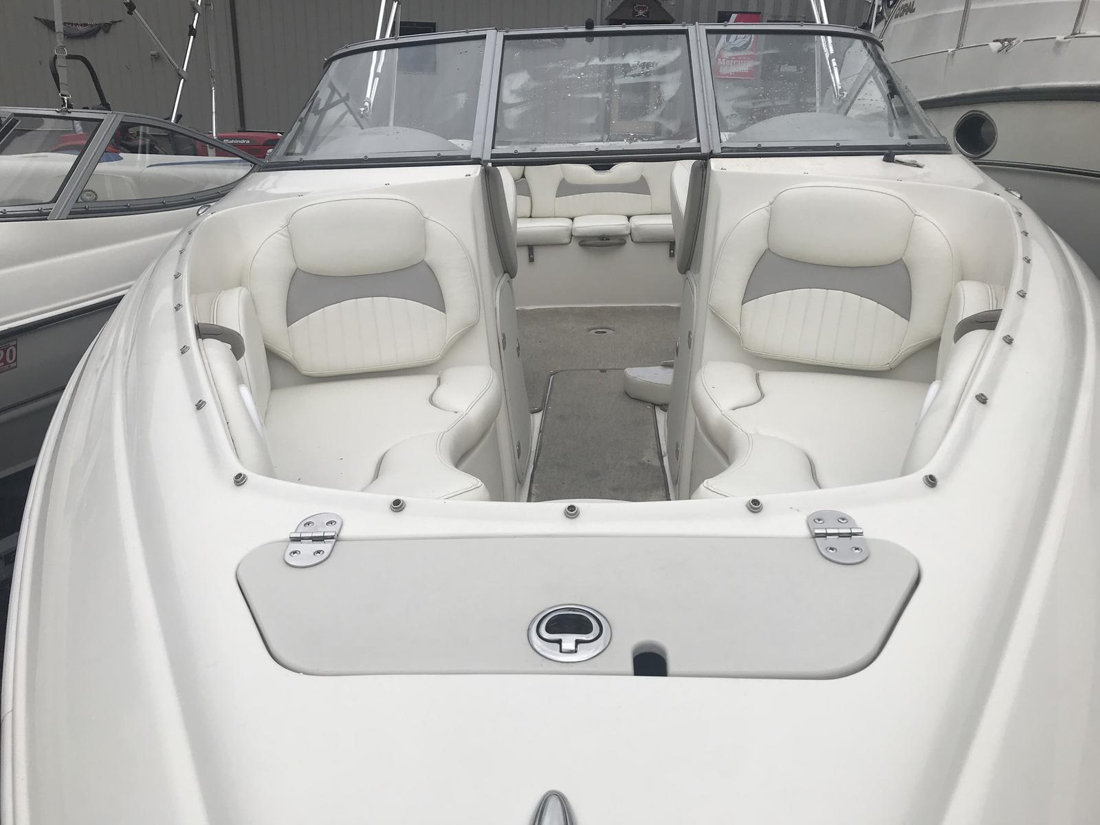 2010 Stingray Boats 225LR