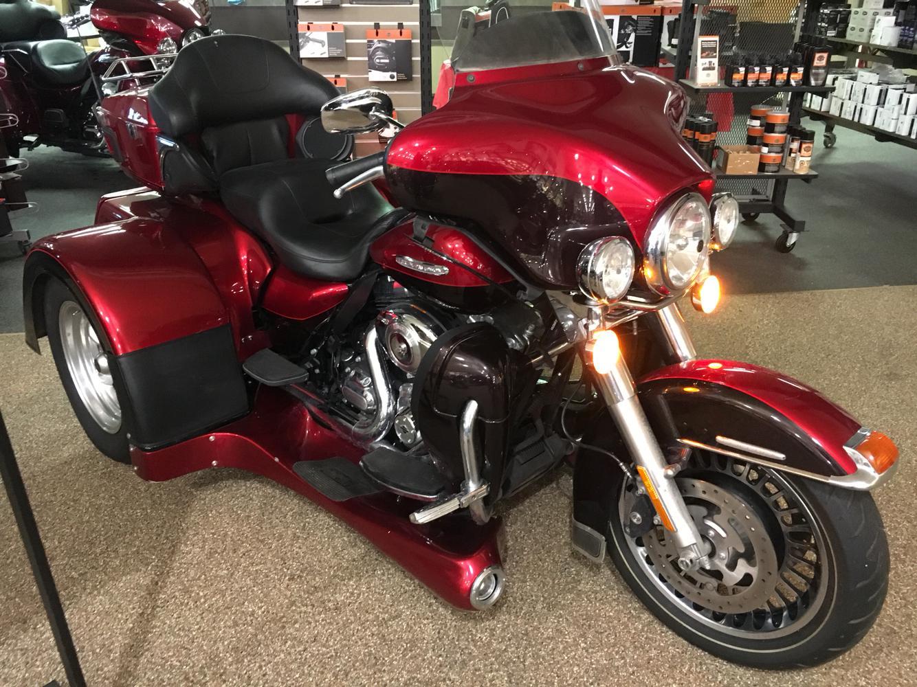 2012 Harley-Davidson® FLHTK Electra Glide® Ultra Limited - with MOTOR TRIKE  KIT