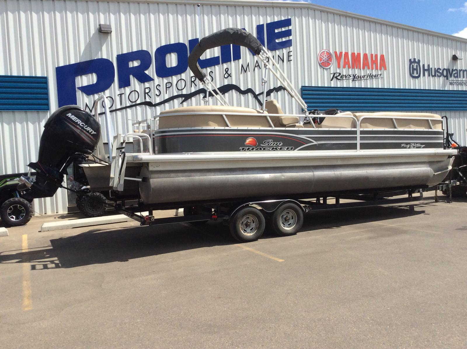 2015 Sun Tracker Party Barge 24 DLX for sale in Saskatoon, SK