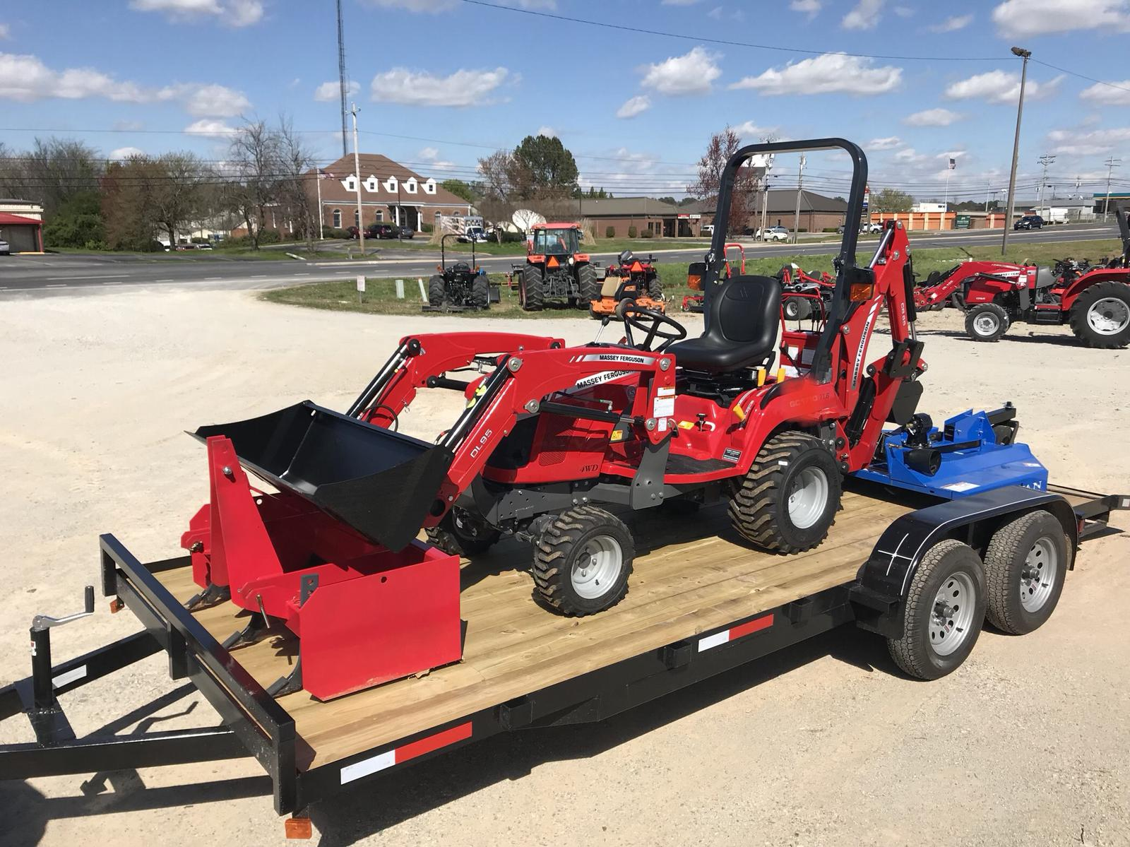 2018 Massey Ferguson GC1720 Package Deal