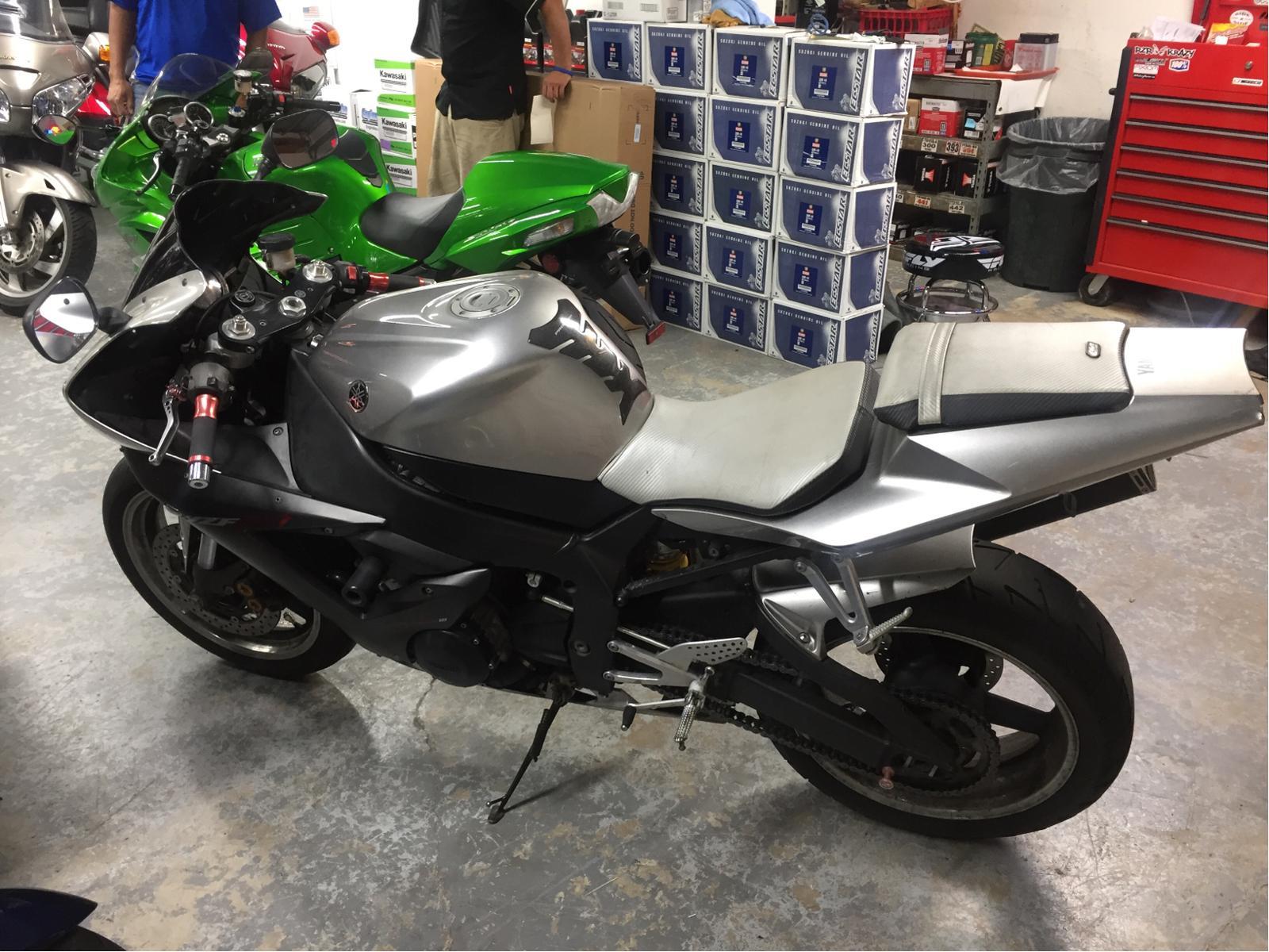 2003 Yamaha YZF-R1 3