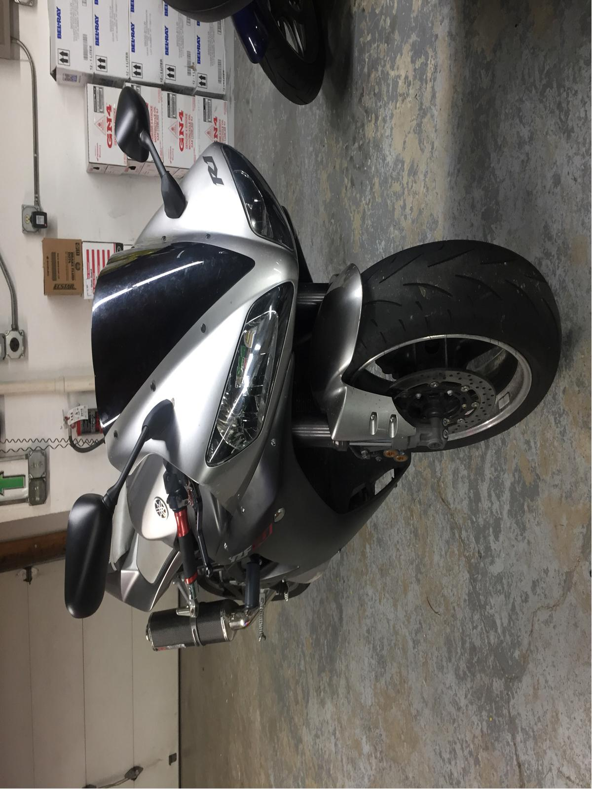 2003 Yamaha YZF-R1 2
