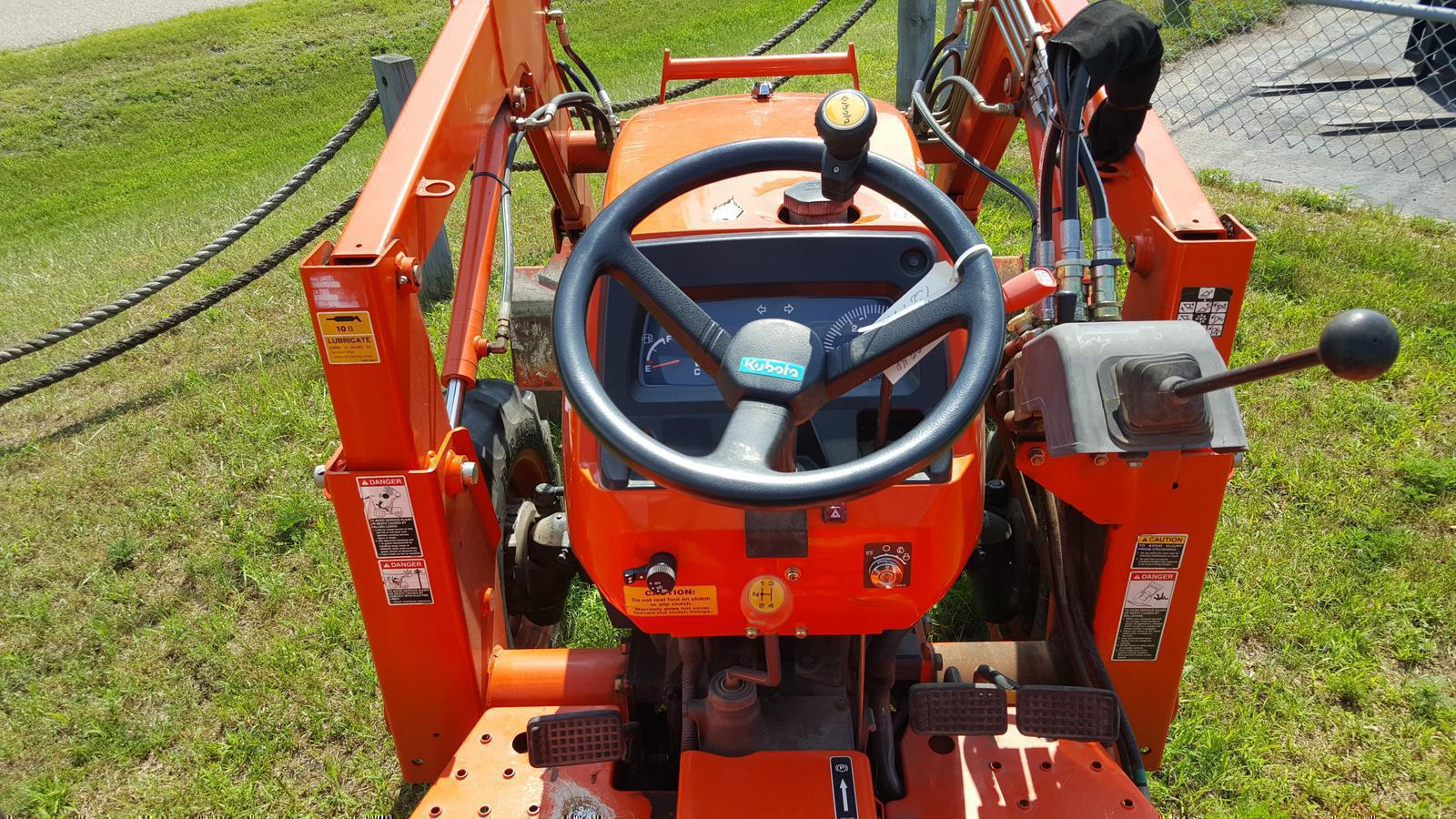 2008 Kubota L2800 Gear-Drive 4WD Compact Tractor