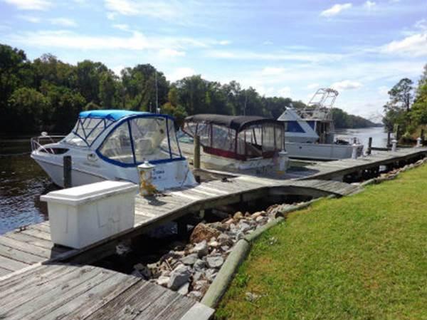 Boat Storage Options - Dry Storage / Boat Slips / Boat Lift / On