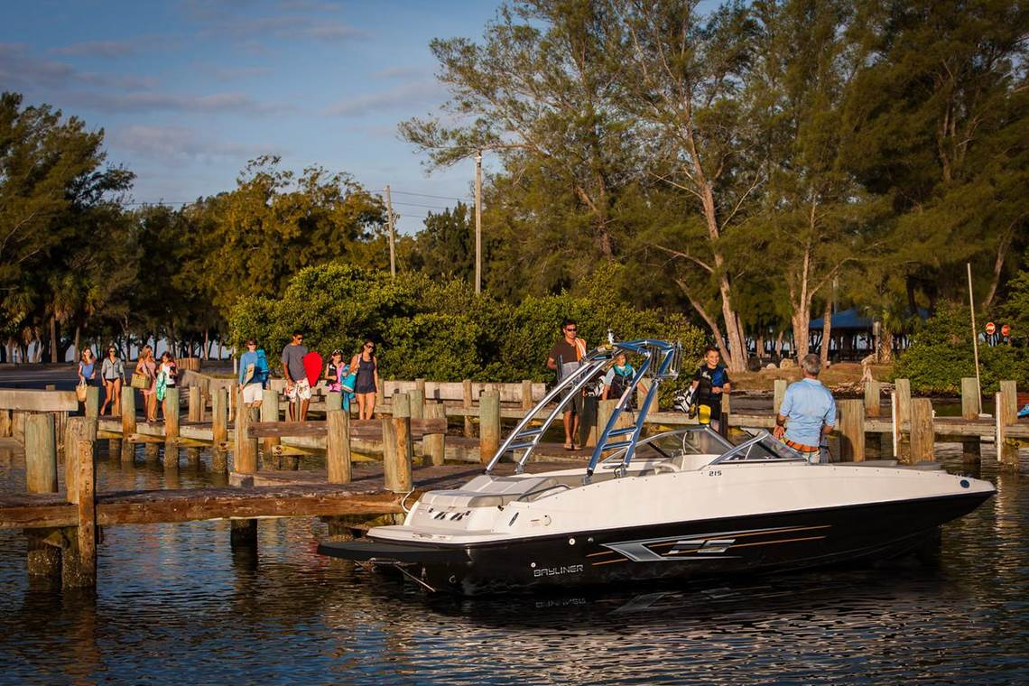 Bayliner Deck Boats Thayer Marine Jackson Mi 517 787 3000