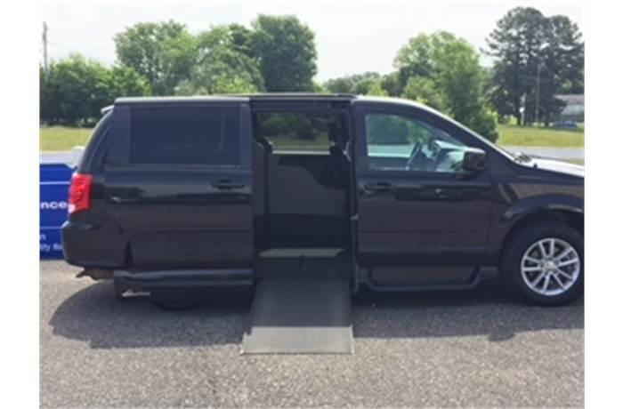 North Star Dodge >> 2014 Dodge Dodge Grand Caravan With Vmi Northstar Conversion Apple