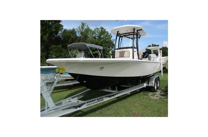 2019 Tidewater Boats 2410 Bay Max