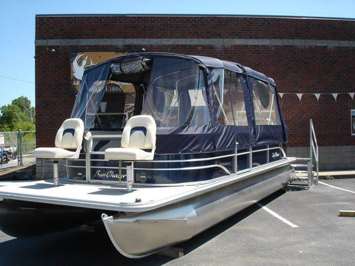 Luxurious Sun Chaser Ds24 Pontoon With Full Enclosure Muddy Bay