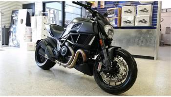 2016 DIAVEL DARK
