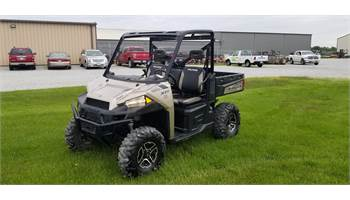 2015 RANGER XP® 900 EPS - Sandstone Metallic
