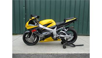 2002 GSXR 750 NICE BIKE WITH LOW MILEAGE COMES WITH AN AFTERMARKET EXHAUST, FRAME SLIDERS, AND SMOKE WIND