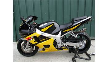 2002 GSXR 600 SUPER NICE LOW MILEAGE BIKE WITH EXTRAS LIKE A YOSHI EXHAUST, SMOKE WINDSHIELD AND INTEGRAT