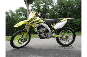 RMZ 450 SUPER CLEAN LOW HOURS NEW TIRES AND TONS OF EXTRAS. BEAUTIFUL FAST AND FUN MACHINE