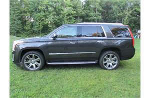 CADILLAC ESCALADE LUXURY SUV LIKE NEW FULLY LOADED ALL OPTIONS.
