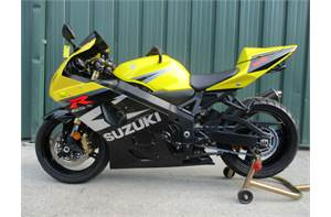 GSXR 750 VERY NICE BIKE WITH LOW MILES SOME EXTRAS