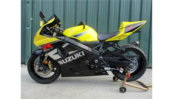 2004 GSXR 750 VERY NICE BIKE WITH LOW MILES SOME EXTRAS