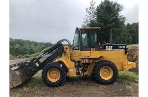 CATERPILLAR IT24F, TURBO DIESEL ENGINE, QUICK COUPLER, 3RD VALVE, NEW TIRES, A/C, HEAT, RIDE CONTROL