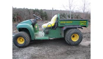FOR SALE JOHN DEERE GATOR 4X2 WITH NEW SEATS