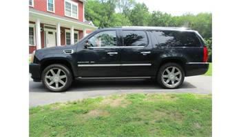 2011 CADILLAC ESCALADE ESV 4D LUXURY AWD FULLY LOADED BLACK ON BLACK