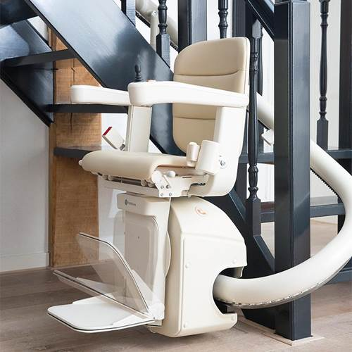 freecurve-stair-lift-powered-foot-rest-handicare