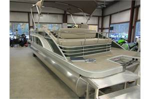 22' Swing Back Premium SUMMER SALE PRICED Gold Emerald/White 90hp