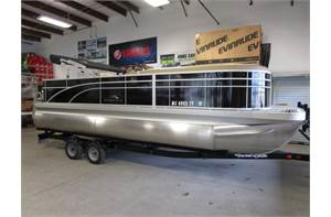 22 SX Cruise and Fish Includes trailer