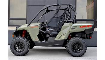 "2019 Commander 800R DPS (54"" / 61HP)"