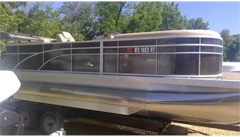 2017 SOLD! 22 SSRX cruise pontoon w/150HP Yamaha, twin elliptical pontoons, bunk trailer!!!